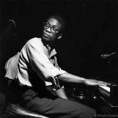 Herbert « Herbie » Jeffrey Hancock, né le 12 avril 1940 à Chicago (États-Unis), est un pianiste et compositeur de jazz. Il est l'un des musiciens de jazz les plus importants et influents. Il a mêlé au jazz des éléments de soul, de rock, de funk, de disco ainsi que, parfois, quelques rythmes issus du rap.