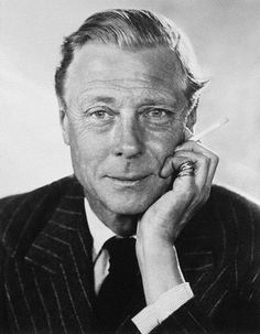 The Duke of Windsor with a ciggie and two Cartier Trinity rings.