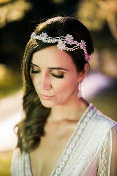 Diamante head vine. Photography by http://lifestorieswedding.com/