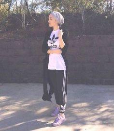 gym hijab outfit, Modern Hijab Street styles http://www.justtrendygirls.com/modern-hijab-street-styles/