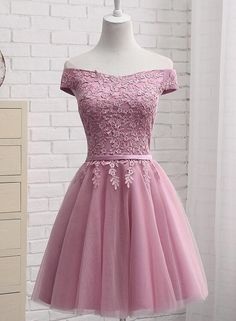 Lovely Off Shoulder Tulle Applique Simple Wedding Party Dress, Graduation Party Dresses, Tulle Dresses - Lavender Chiffon Off Shoulder Short Bridesmaid Dresses, Cute Homecomin – BeMyBridesmaid Source by iTsarAtTtt - Dama Dresses, Quince Dresses, Pink Prom Dresses, Grad Dresses, Lace Evening Dresses, Short Bridesmaid Dresses, Quinceanera Dresses, Wedding Party Dresses, Homecoming Dresses