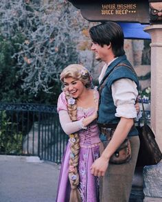 Disney Couples, Disney Parks, Disney Pixar, Disney Face Characters, Disney Movies, Rapunzel Cosplay, Rapunzel And Eugene, A Whole New World, Disney Magic