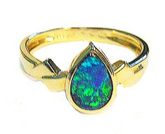 Yellow Gold Tear Drop Opal Ring