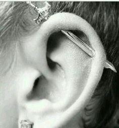 Piercing Industrial Jewelry I Want 57 Ideas Piercing Tattoo, Piercing Cartilage, Bar Ear Piercing, Industrial Earrings, Industrial Piercing Jewelry, Industrial Barbell, Industrial Piercing Barbells, Cute Piercings, Body Piercings