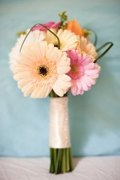 this type of bouquet would be easy to make! i like the idea of cheap flowers :)