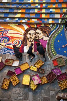 """Grande successo per la mostra """"Sensasional Umbria""""di Steve McCurry a Spello con ben 6.584 visitatori."""