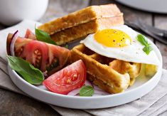 Nízko-sacharidové waffle z cukiny Tuna, Mozzarella, Clean Eating, Good Food, Low Carb, Tasty, Fish, Meat, Cooking