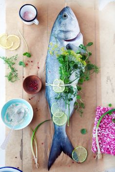 The unexpected bluefish tacos and a day at the beach :: Cannelle et VanilleCannelle et Vanille // food photography Think Food, I Love Food, Food Photography Styling, Food Styling, Digital Photography, Sole Meuniere, Pbs Food, Fish Dishes, Fish And Seafood