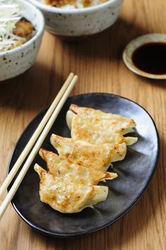 What's the Difference Between Gyoza and Potstickers? — Tips from The Kitchn Japanese Gyoza, Chicken Spring Rolls, Chinese Dumplings, Asian Recipes, Ethnic Recipes, Food Articles, Appetisers, Appetizer Recipes, Food And Drink
