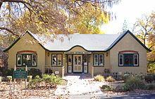 Atascadero, California - Wikipedia Atascadero California, Suffrage Movement, Cabin, Mansions, House Styles, Home Decor, Decoration Home, Manor Houses, Room Decor