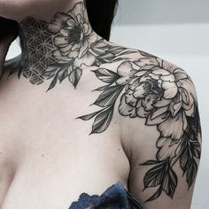 Pinterest: •Linell• The line work on this peony is perfection