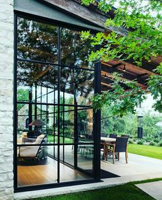 House design exterior glass ideas for 2019 Style At Home, Future House, Design Exterior, Exterior Siding, Wall Exterior, Black Exterior, Stone Exterior Houses, Exterior Windows, Windows And Doors