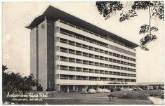 Hotel Ambarukmo th 1966 hotel termawah pd era itu Itu, Old Pictures, Skyscraper, Multi Story Building, Culture, History, Beauty, Antique Photos, Beleza