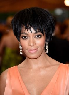 Solange Knowles Layered Razor Cut - Solange Knowles traded in her customary afro for this edgy layered razor cut when she attended the Met Gala.