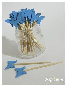 Kit com 20 toppers de borboletas azul claro.  Valor do kit: 13,00. R$ 13,00