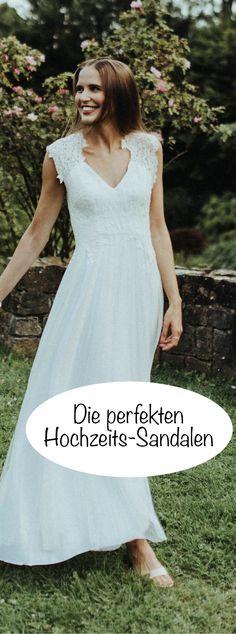 Brautkleid-Details & perfekte Hochzeits-Sandalen | zartes Brautkleid ...