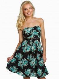 Floral Belted Dress #vanity #fashion #womens #womensfashion #womensapparel #spring2014 #dress #floral Strapless Dress Formal, Formal Dresses, New Fashion, Womens Fashion, Belted Dress, New Dress, Vanity, Clothes For Women, Denim