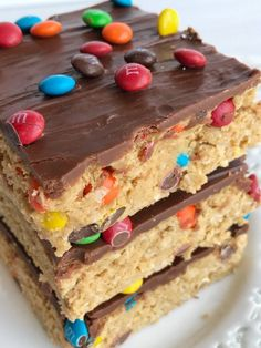 All your favorites about monster cookies but in no-bake, egg free monster cookie dough bars! Peanut butter, oats, chocolate, and m&m's. These can be made in just minutes and are a fun treat or dessert. Egg Free Desserts, Köstliche Desserts, Delicious Desserts, Dessert Recipes, Plated Desserts, Monster Cookie Dough, No Bake Cookie Dough, Recipe For Monster Cookies, Gourmet Recipes