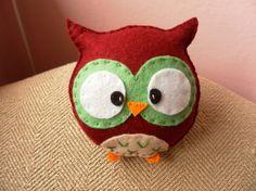 Plush Owl (idea only, no pattern) Owl Patterns, Felt Projects, Owls, Babyshower, Fun Stuff, Plush, Presents, Nursery, Crafty