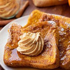 Pumpkin French Toast {Just 5 Minutes to Prep!} - Life Made Simple Pumpkin Spice Syrup, Pumpkin Butter, Pumpkin Puree, Fall Breakfast, Breakfast Recipes, Breakfast Ideas, Pumpkin French Toast, Pumpkin Recipes, Yummy Food