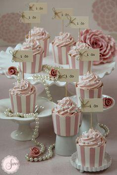 """""""I do!"""" Cupcakes"""