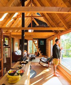 Have you woke up in a cabin before? Cabin in the Woods // Tiny Living // Tiny House // Cabin Interiors // Cabin Plans // Cabin in the Mountains // Architecture // Home Decor Tiny Cabins, Tiny House Cabin, Tiny House Living, Tiny House Plans, Tiny House Design, Cabin Homes, Tiny Cabin Plans, Wood House Design, Living Room