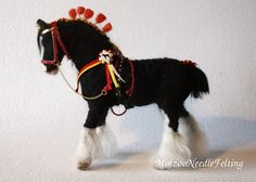 Needle felted Horse black Shire equestrian por MinzooNeedleFelting Look how wonderful he looks in his new handmade red halter... I looove it!!!