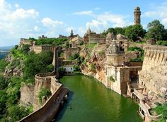 CHITTORGARH, THE LARGEST FORT IN INDIA    Photograph via IAmASeaLions on Reddit    Chittorgarh Fort is the largest fort in India and the grandest in the state of Rajasthan. The fort, plainly known as Chittor, was the capital of Mewar and is today situated several kilometres by road south of Bhilwara. It was ruled [...]