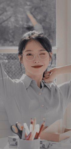 Iu Moon Lovers, Korean Photoshoot, Glitter Wall Art, Kpop Girl Bands, Kim Sohyun, Stray Kids Seungmin, Jennie Kim Blackpink, Cute Korean Girl, Bts Aesthetic Pictures