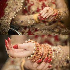 beautiful hands jewllry and mehndi Bridal Poses, Bridal Photoshoot, Bridal Portraits, Pakistani Bridal Makeup, Pakistani Wedding Dresses, Bride Photography, Indian Wedding Photography, Wedding Wear, Wedding Pics