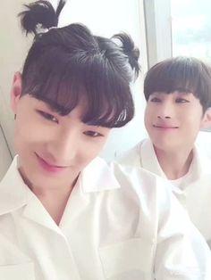 Victon Kpop, Kpop Guys, Paul Kim, Kpop Posters, Blackpink Memes, Love My Kids, Korean Bands, Fandom, Boyfriend Material