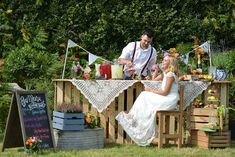 Rustic, bohemian, outdoor wedding inspiration from Starry Eyed Weddings. Set in East Sussex, this pretty, organic collaboration is picture perfect in every way.