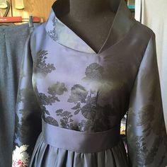 Платье из жаккарда)) выполнено на заказ. #скороновыйгод #шьюсудовольствием #люблюсвоюработу❤️ #шьювечерниеисвадебныеплатья #шьювечерниеплатья