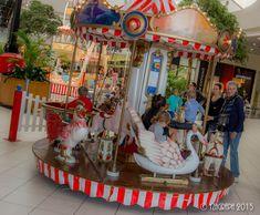 Evénement carrousel 1900 manèges à louer #cgorganisation #VaranneEvent #locationdemanege #AnimationCentreCommercial #carrouselvintage Carrousel, Centre Commercial, Animation, Location, Decoration, Mini, Vintage, Gaming Stand, Makeup Stand
