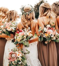 Babes with bouquets ? in Dune Chiffon Taupe Wedding, Diy Wedding, Rustic Wedding, Dream Wedding, Wedding Ideas, Team Bride, Bridesmaid Proposal, Wedding Bridesmaid Dresses, Mumu Wedding