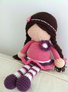 Les poupées sans visage au crochet: poupée farah