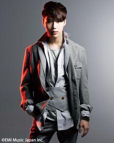 >//< Lee Taemin