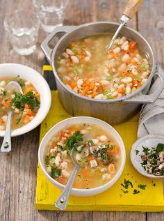 Suppe von weißen Bohnen und Speck (Heft: März 2015) Foto © Maike Jessen für ARD Buffet Magazin
