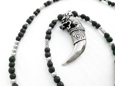 Collane da uomo - Collana Ematite zanna Tribale Uomo - MN04 - un prodotto unico di No-Limits su DaWanda