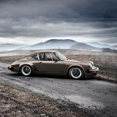 911 SC by Petr Richter Photography.