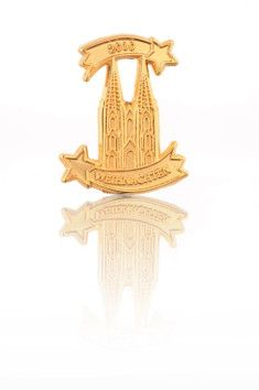 Kölner Dom Pin mit Weihnachtsstern Dom, Decorative Bells, Lion Sculpture, Chandelier, Ceiling Lights, Poinsettia, Sterne, Gifts, Ceiling Lamps