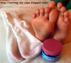 **Quiet a Nighttime Cough** - Apply Vicks Vapo rub generously on the bottom of both feet at bedtime, then cover with socks. Even persistant, heavy, deep coughing will stop in about 5 minutes and will stay suppressed for up to 8 hours of Health And Beauty Tips, Health And Wellness, Health Tips, Vapor Rub On Feet, Vicks Vapor Rub Uses, Baby Vicks Vapor Rub, Vapo Rub Uses, Vicks Rub, How To Stop Coughing