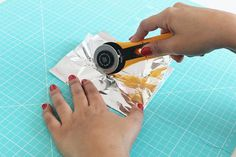 Amazing, but true: We found 10 brand new sewing tips that we did not know yet - which make our handiwork a lot easier! Of course, we'll share these new sewing tricks with you - here's all the tips! - Fabric Crafts for Diy and Crafts Mothers Day Crafts For Kids, Diy Crafts For Kids, Easy Crafts, Easy Diy, Diy Craft Projects, Craft Tutorials, Sewing Projects, Trombone, Diy Lace Trim