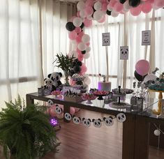 Prepare for panda cuteness, because these panda party ideas will knock your socks off! We are totally loving this new party trend! Sixteenth Birthday, Sweet 16 Birthday, 1st Boy Birthday, Birthday Parties, Birthday Ideas, Panda Candy, Panda Baby Showers, Panda Decorations, Pink Panda