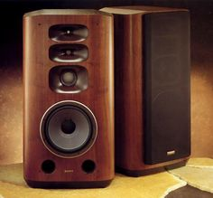 Sony At a pair of was a luxury only the outrageously rich could afford. Type : bass-reflex Dimensions : x x Weight : Production run : probably less than 50 pairs. Sony Speakers, High End Speakers, Audiophile Speakers, Monitor Speakers, Bookshelf Speakers, High End Audio, Hifi Audio, Hifi Stereo, Audio Design