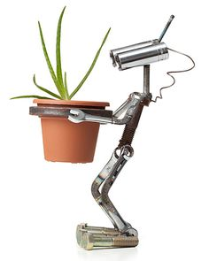 GRO-BOT | Robot, Plant, Pot.  I want this... Might try to make one and see what happens :D