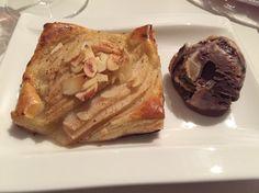 Päärynäpiirakka ja ben and jerrysiä French Toast, Pie, Breakfast, Desserts, Food, Torte, Postres, Tart, Fruit Cakes