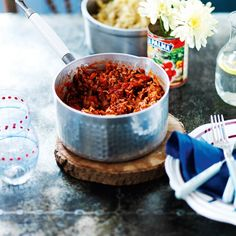 This Slimming World spaghetti Bolognese is an Italian classic. Our Best-ever Bolognese makes a super Syn-free Slimming World dinner – like mamma used to make! Protein Rich Foods, Fiber Rich Foods, Beef Recipes, Cooking Recipes, Healthy Recipes, Slimming World Spaghetti Bolognese, High Fat Foods, Quorn, Slimming World Recipes