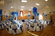 Blue Balloon Centerpieces Hockey Bar Mitzvah Party {Lasting Memories Photography} - mazelmoments.com