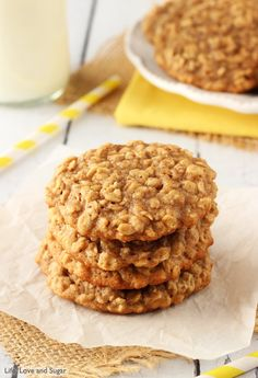 These Moist and Chewy Banana Oatmeal Cookies are hands down the best banana flavored cookie I've ever had. Moist & chewy for days and unmistakably banana-y! Köstliche Desserts, Delicious Desserts, Dessert Recipes, Picnic Recipes, Health Desserts, Banana Cookie Recipe, Cookie Recipes, Banana Oat Cookies, Cookies With Bananas